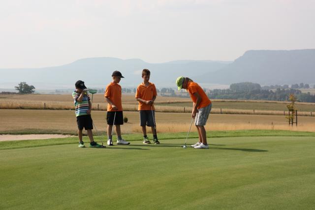 Přihlaste své dítě na golfový příměstský tábor
